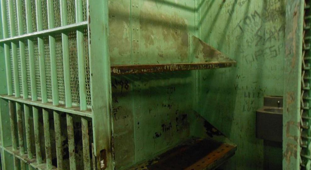 Darmowa praca kilkunastu tysięcy więźniów w Polsce. Czysty zysk dla samorządów?