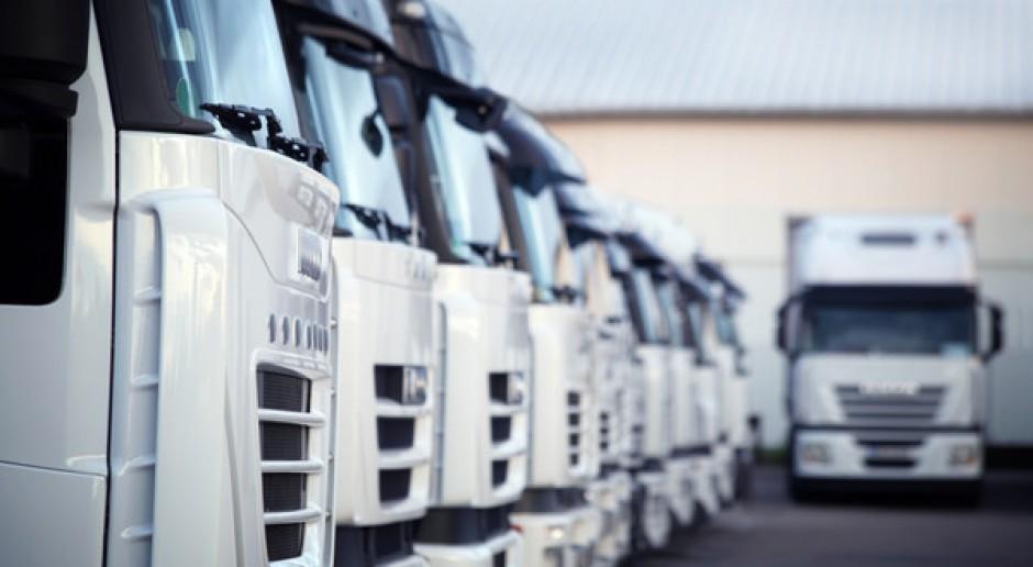 Koszty prowadzenia działalności transportowej rosną, a kierowców ubywa