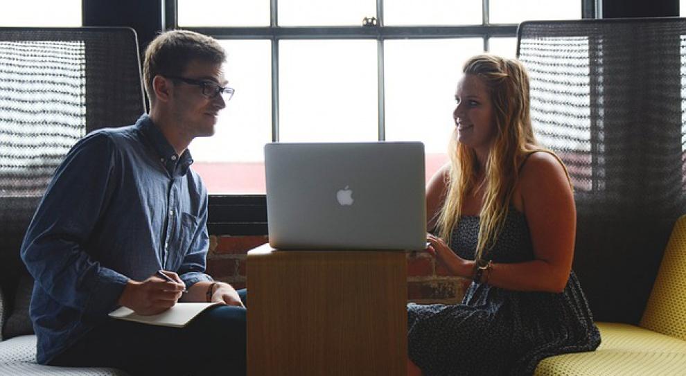 Plany po studiach: absolwenci w Polsce stawiają na własny biznes