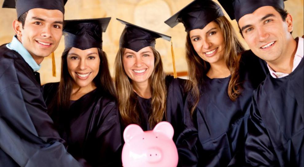 Z tytułem doktora praca poza szkolnictwem bardziej opłacalna. O 63 proc.