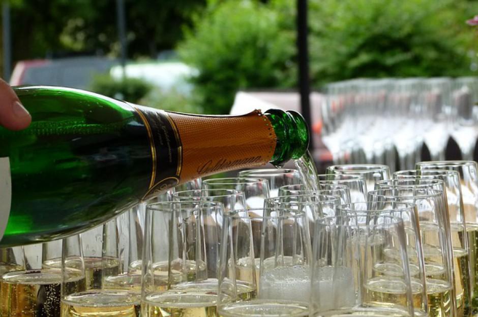 Czy alkohol można wrzucić w koszty firmy?