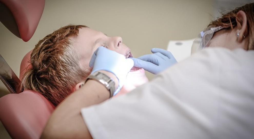 Wśród lekarzy dentystów coraz mniej specjalistów