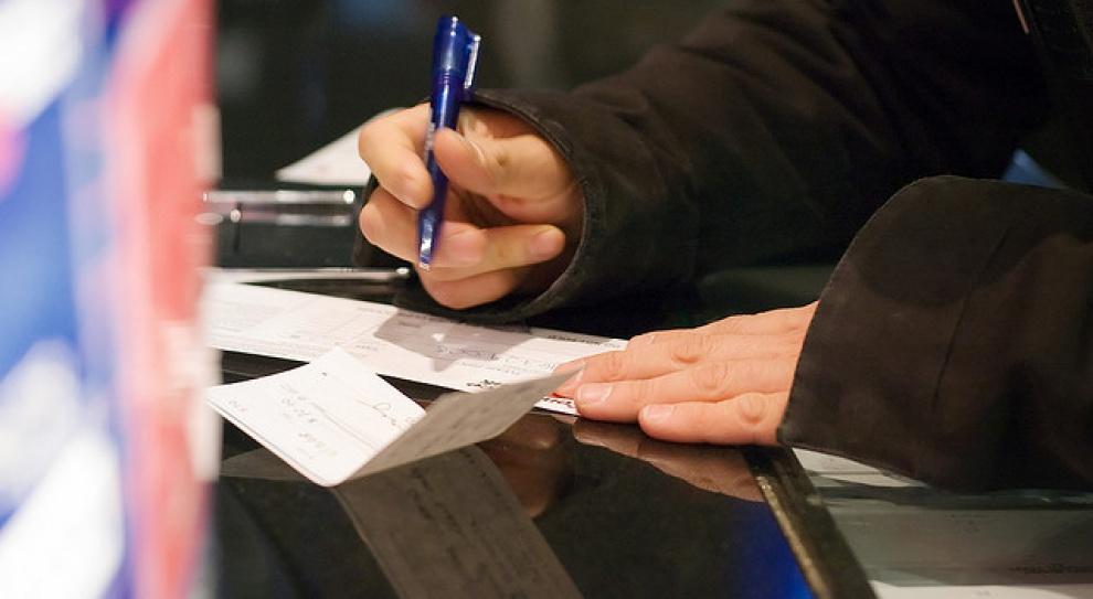 Agencje ochrony i placówki handlowe będą kontrolowane przez PIP