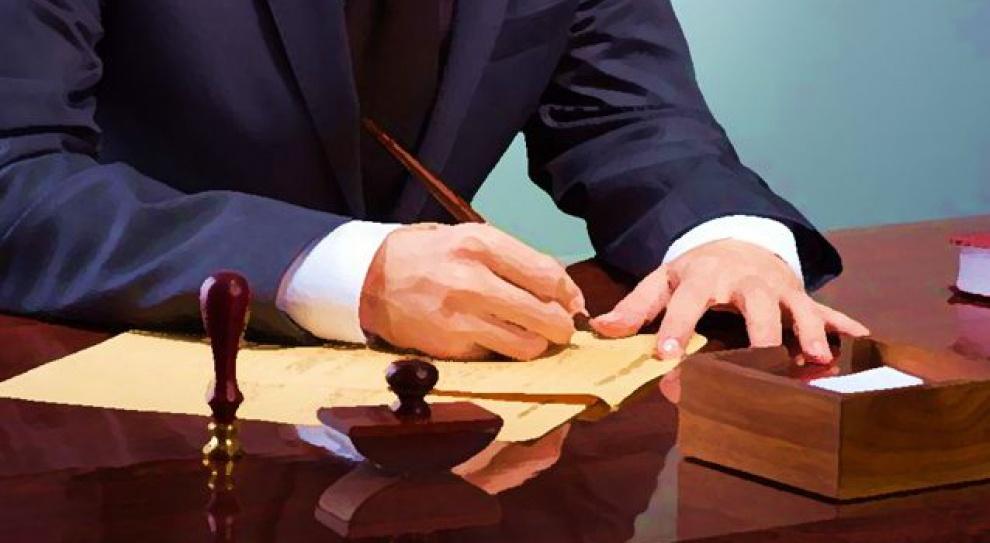 Ile zarabia radca prawny, aile specjalista ds.prawnych?