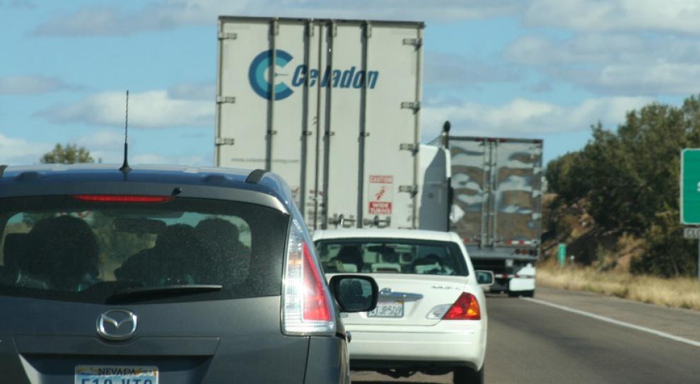 Ministerstwo Infrastruktury i Rozwoju odpiera zarzuty przewoźników drogowych ws. płacy minimalnej