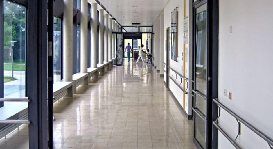 Związkowcy obwiniają marszałka za odejście lekarzy z radomskiego szpitala