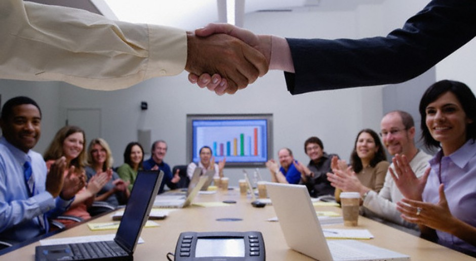 Outsourcing pracowników IT to niższe koszty i lepsza wydajność