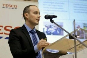Adam Lendvai, ekspert Europejskiego Centrum Innowacji Tesco, zaczyna pracę w Netto