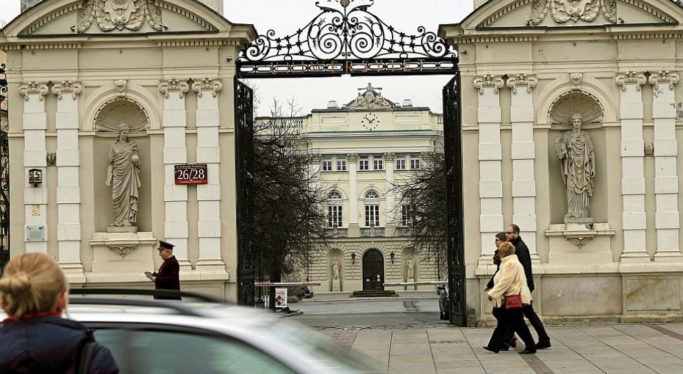 Publiczne uczelnie na sprzedaż? Rząd rozważa ich prywatyzację