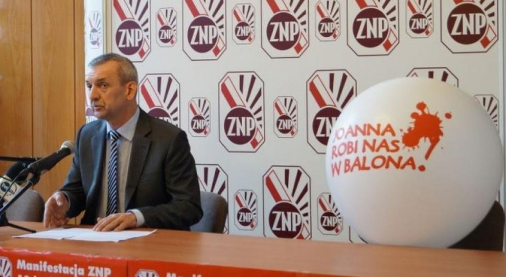 ZNP:  Joanna Kluzik-Rostkowska dyskredytuje pracę nauczycieli. Będzie protest