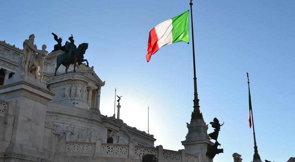 Fala nielegalnych imigrantów zalewa Włochy