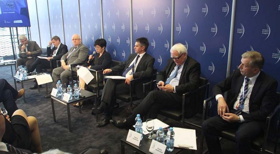 EEC 2015: Administracja musi działać jak korporacja