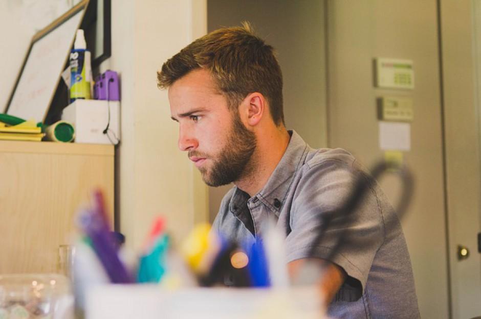 Co drugi student pracuje, ale nie zawsze w zawodzie