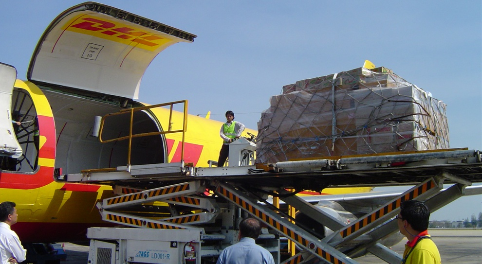 Trzęsienie ziemi w Nepalu: Pracownicy DHL ruszyli z pomocą