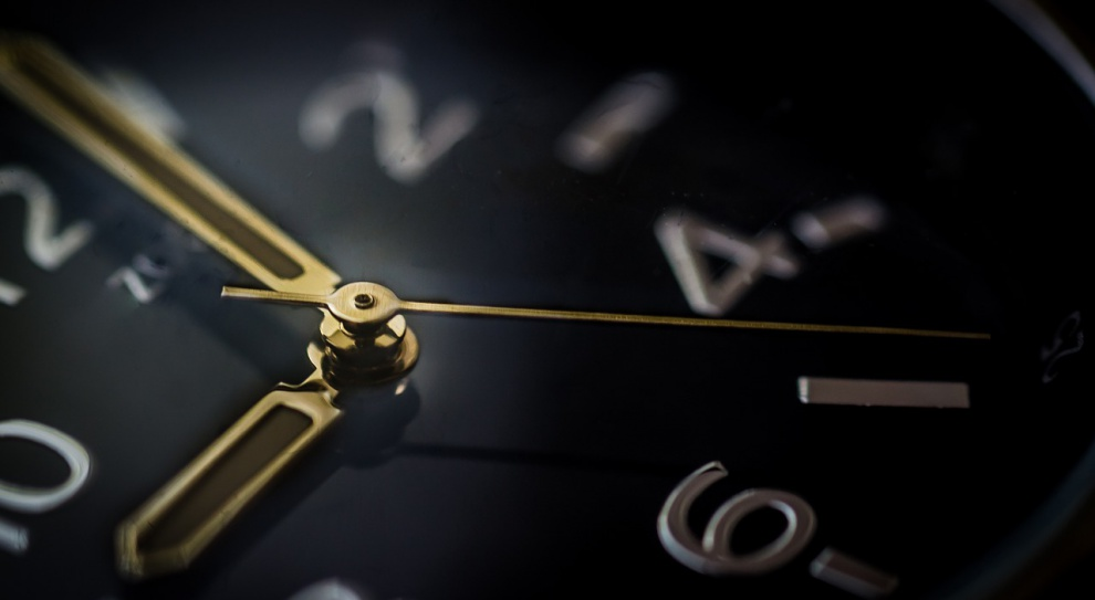 PIP: Pracodawcy nie rejestrują przepracowanego czasu, by uniknąć dodatkowych kosztów