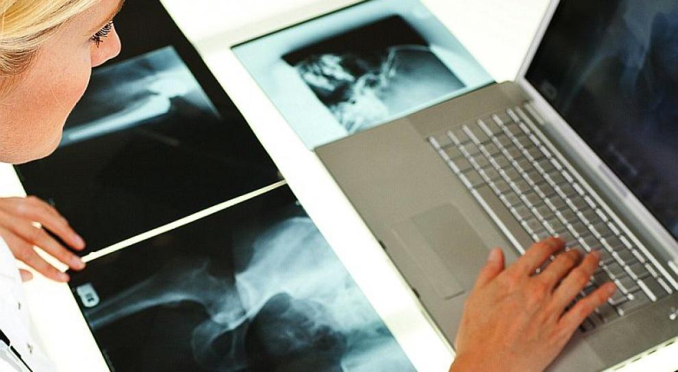 Ministerstwo Zdrowia: Zarobki techników radioterapii nie odbiegają od płac innych techników medycznych