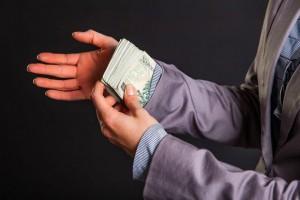 Korupcja dla ratowania firmy jest dopuszczalna?