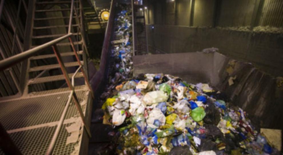 Pracownicy sortowni śmieci zatruli się podczas pracy