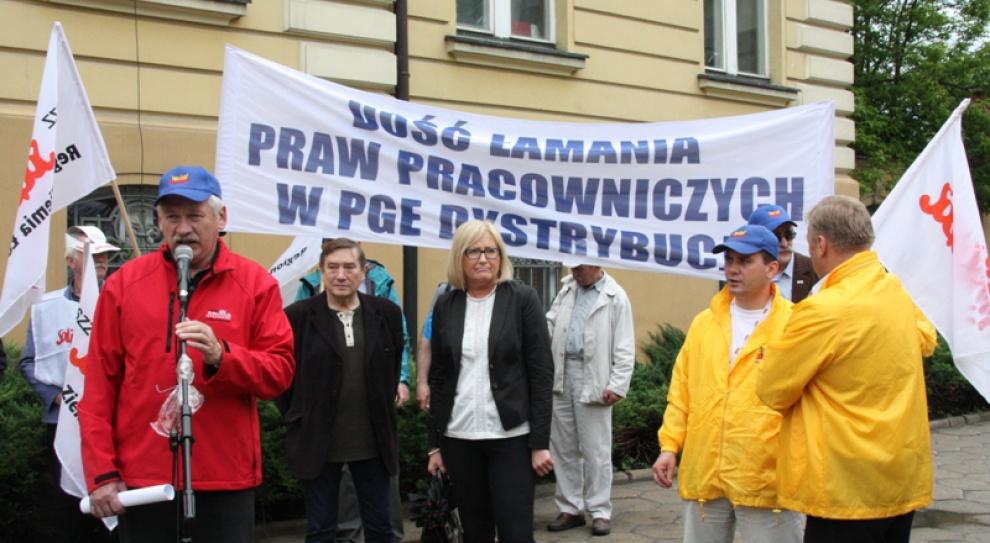 300 osób pikietowało pod oddziałem PGE w Łodzi