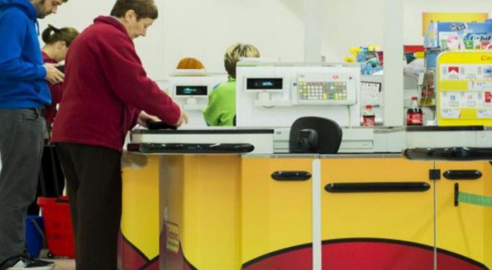 W Zielone Świątki pracownicy sklepów mają wolne