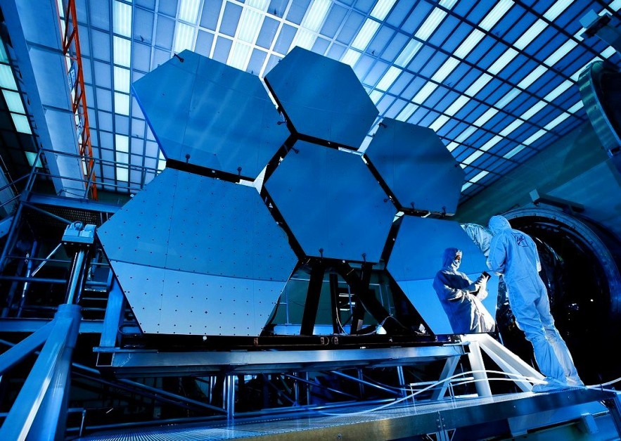 Branża kosmiczna: Sektor obronny, IT i lotniczy mają potencjał