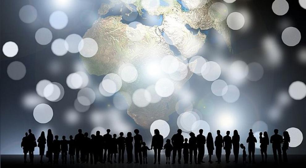 Włochy: Roberto Maroni chce karać gminy za przyjmowanie imigrantów
