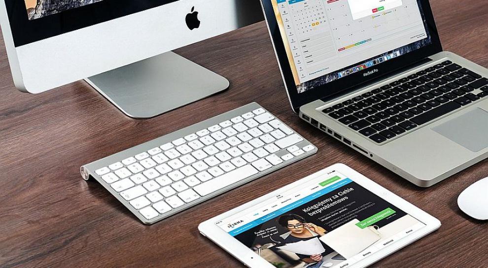 Branża IT zatrudni analityków biznesowych, programistów i specjalistów