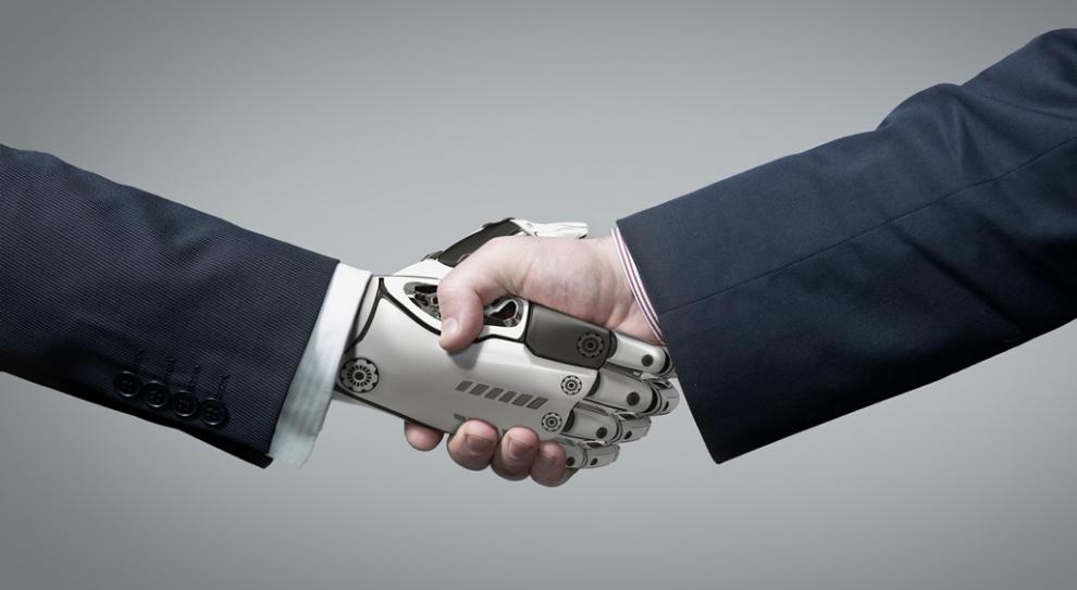 Nie tylko w fabryce robot pracuje zamiast człowieka. W usługach też