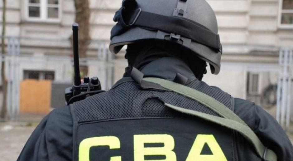 Coraz więcej chętnych do pracy w CBA i innych służbach