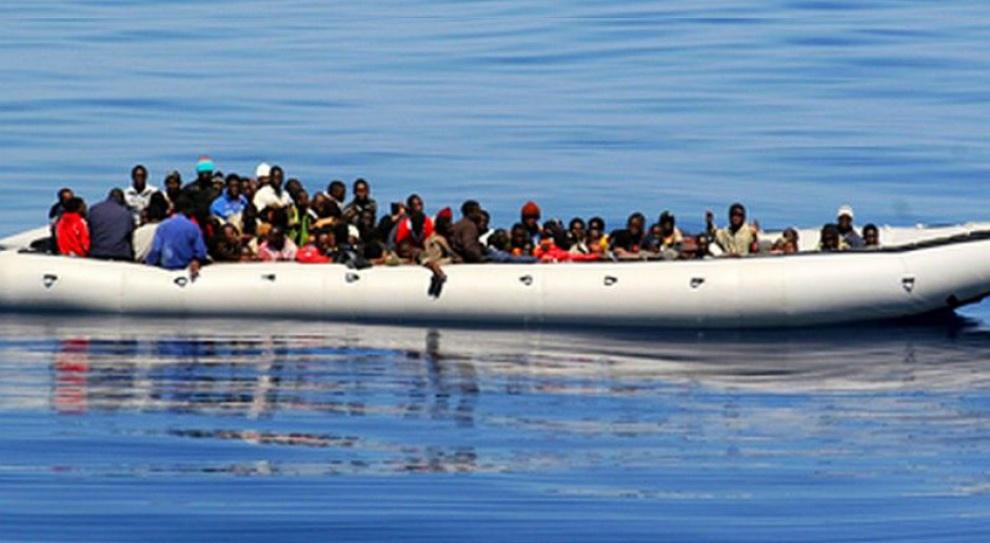 Teczki imigrantów: Polityka imigracyjna kosztuje ok. 1 mld euro rocznie