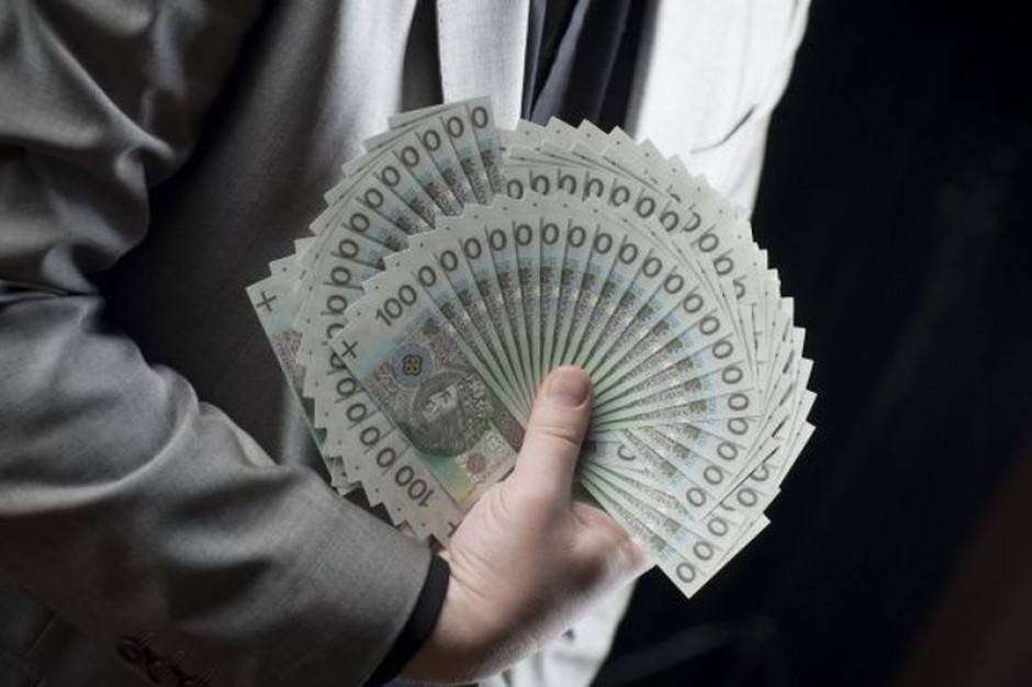 Zróżnicowane płace w samorządach. Prawie 1 tys. zł regionalnej różnicy