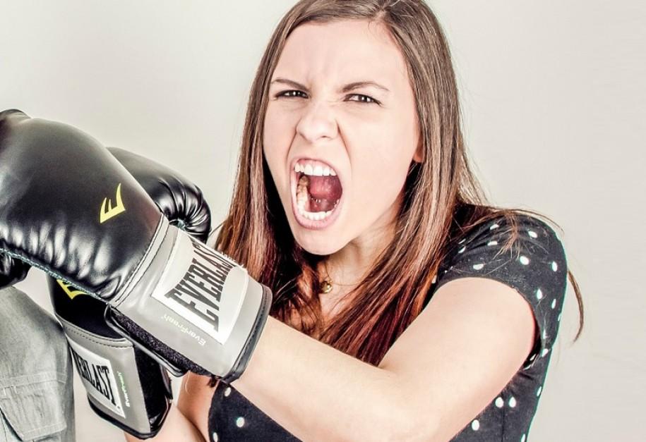 Kobiety muszą przełamać stereotypy i zacząć podejmować wyzwania zawodowe
