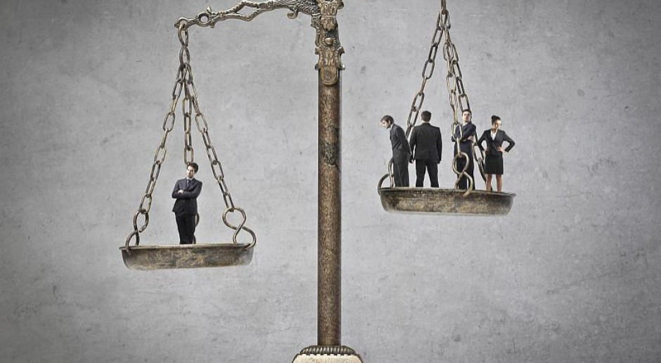 PG: Służba cywilna ma prawo do zawarcia układu zbiorowego pracy