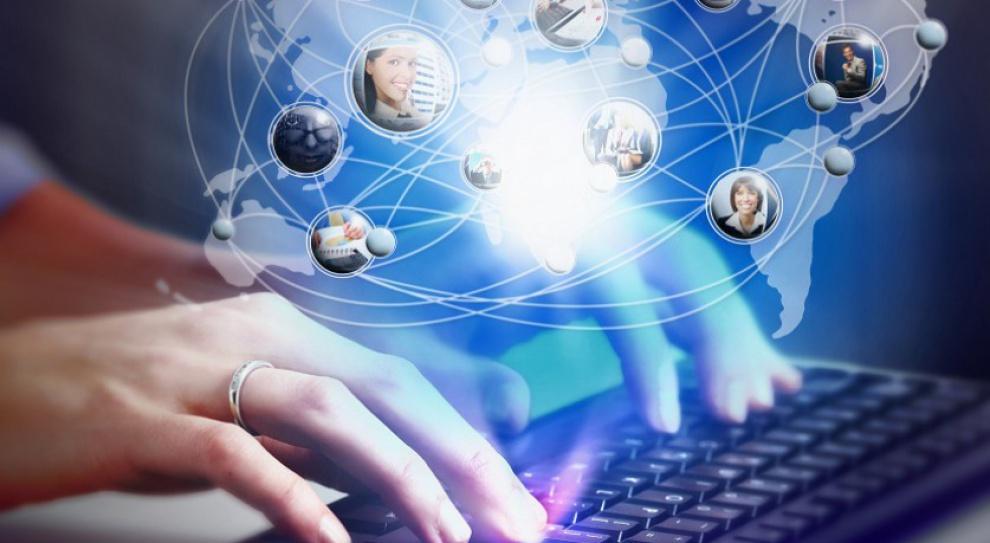 LinkedIn, Goldenline i Twitter. Na tych portalach warto stworzyć profil, gdy się szuka pracy