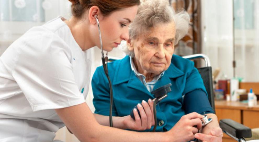 Sejm ułatwi cudzoziemcom wykonywanie w Polsce zawodów pielęgniarki i położnej?