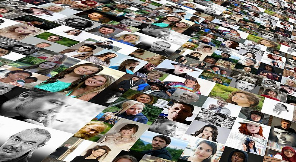 Ofert pracy w internecie coraz więcej. Kogo szukają pracodawcy?