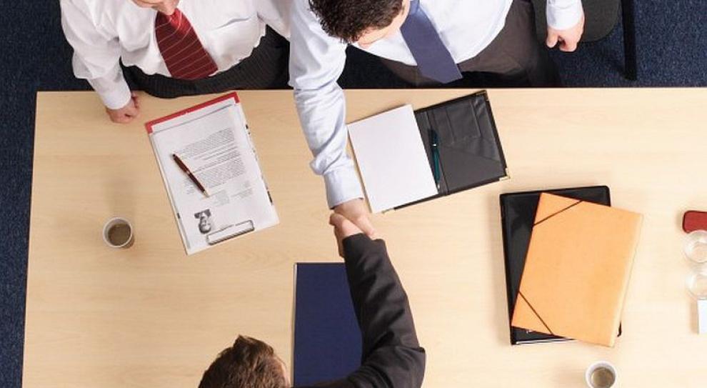 Dress code, język ciała, pytania. Czego unikać, a czym się chwalić podczas rozmowy kwalifikacyjnej w sektorze BPO?