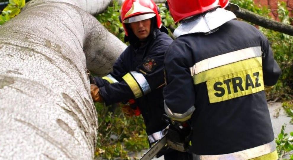 Strażacy dostaną wyższe dodatki za wysługę lat. Ustawa podpisana