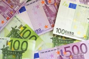Ile zarabiają specjaliści i menedżerowie w Polsce?