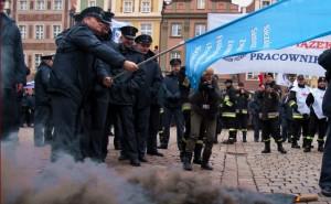 Strajk służb mundurowych: Chcą podwyżek i waloryzacji płac