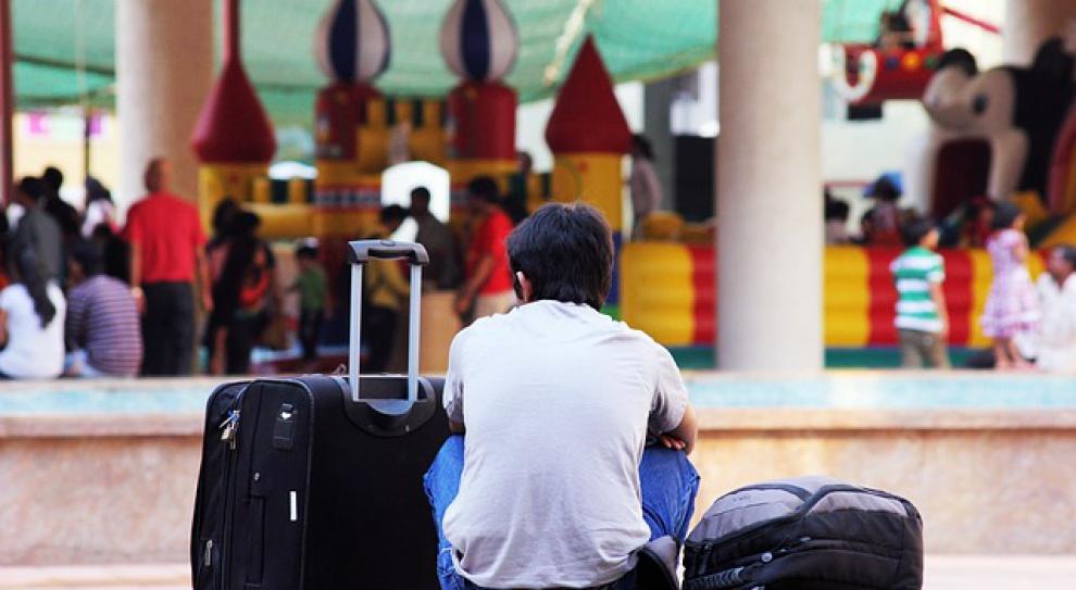 Bezrobotni wolą wyjechać za granicę niż do innego województwa