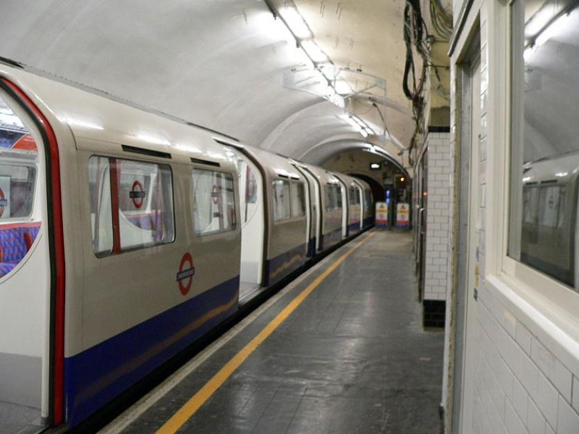 Rolki, hulajnogi, rowery. Tak radzą sobie Londyńczycy ze strajkiem pracowników metra