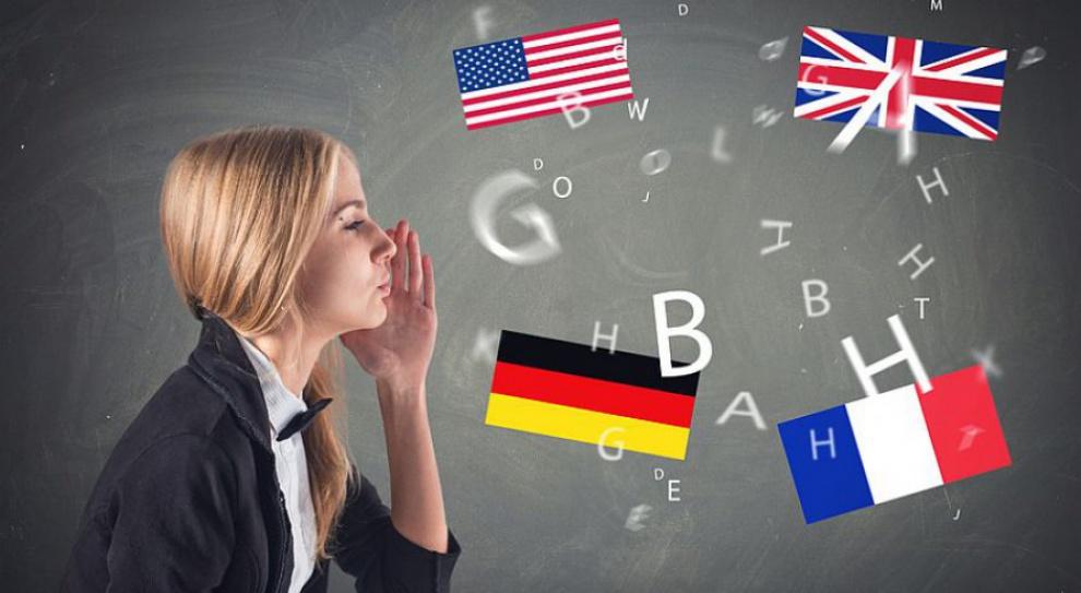 Pracodawcy poszukują poliglotów. W której branży najczęściej?