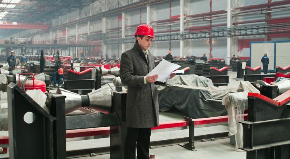 Przestój produkcyjny z powodu upałów. Czy pracownikom należy się wynagrodzenie?