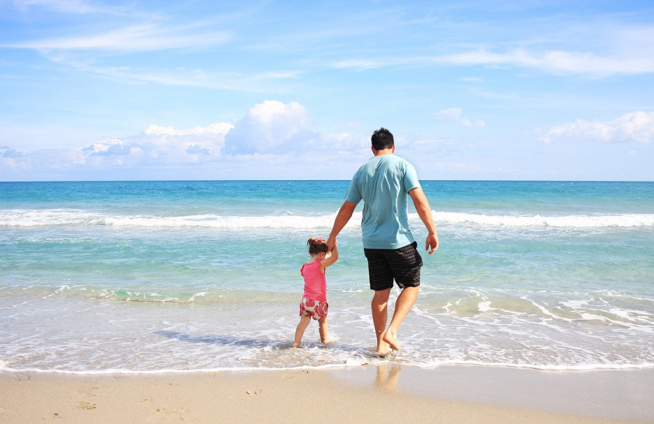 Samotni ojcowie mogą skorzystać z urlopu i zasiłku macierzyńskiego