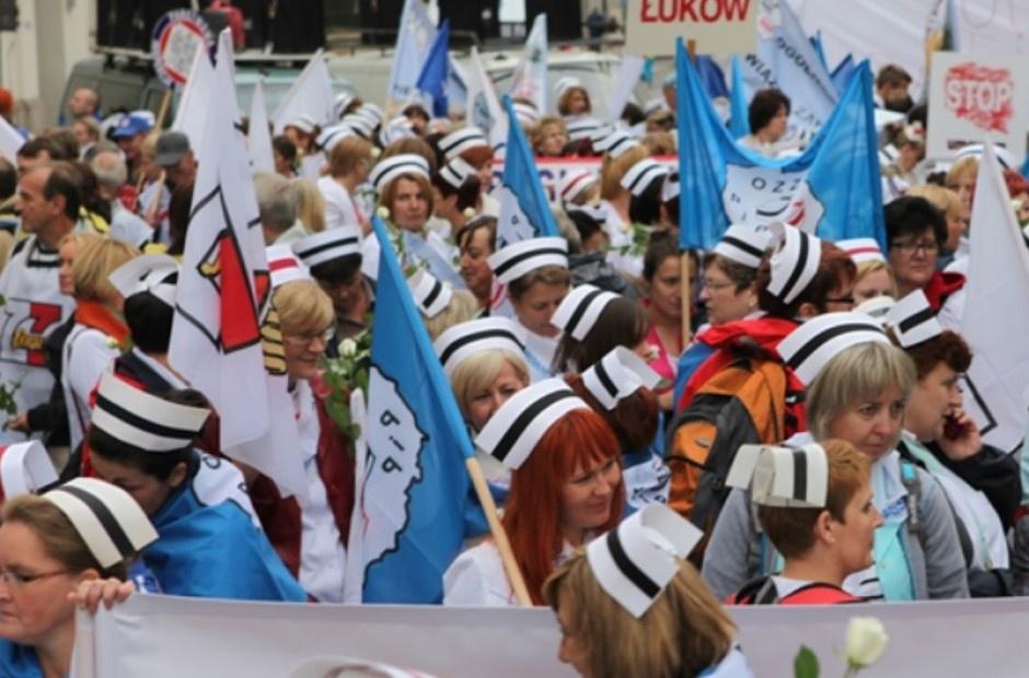 Pielęgniarki szykują się do strajku, ale najpierw - manifestacja w Warszawie