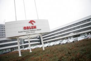 Pracownicy Orlenu chcą wyższych premii z powodu pracy podczas upałów