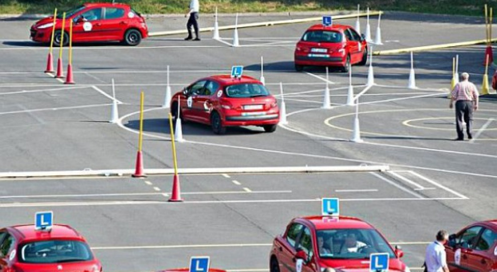 Więcej pracy dla instruktorów jazdy