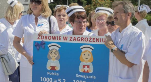"""Pielęgniarki w Warszawie. """"Dość już pieniędzy, które nie są rozwiązaniem naszych problemów"""""""