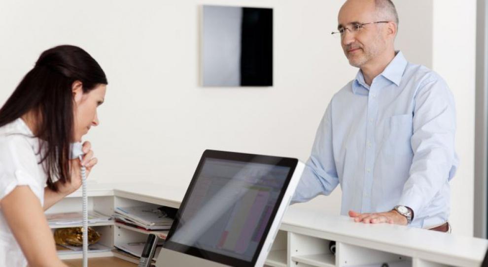Co trzecia oferta pracy w administracji biurowej jest skierowana do asystentów